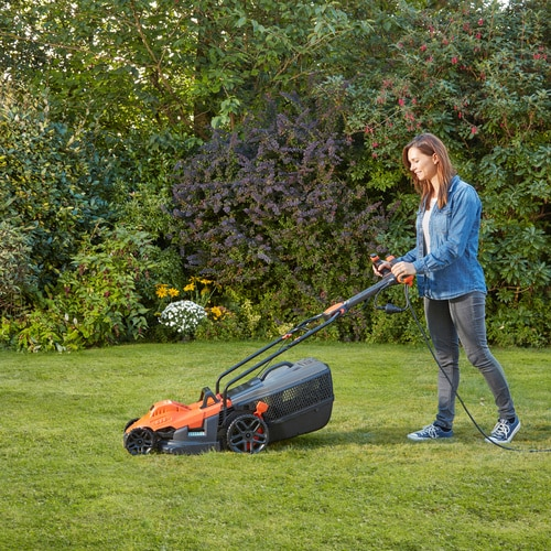 Black and Decker - 34cm 1400W Mower with EasySteer - BEMW461ES