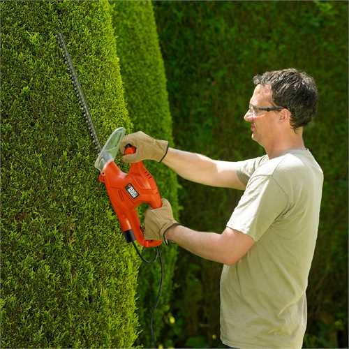 Black and Decker - HU 420W hedge trimmer - GT4245