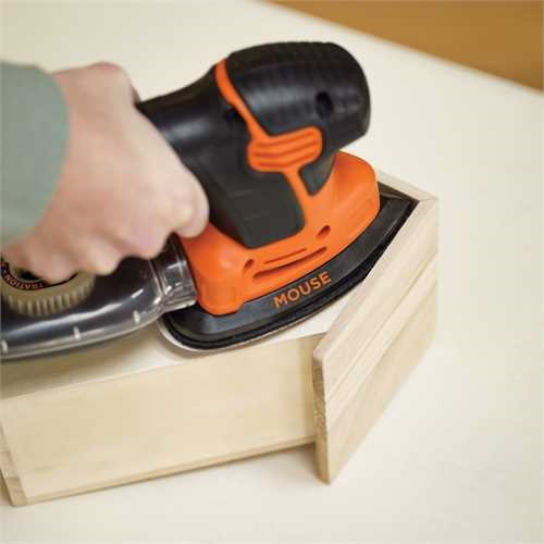 Black and Decker - 120 W j genercis Mouse csiszol 9 tartozkkal kofferben - KA2500K
